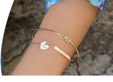 Bracelets en plaqué or, argent et acier