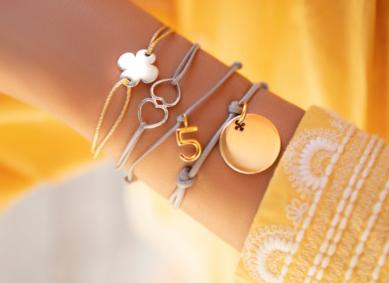 Bracelets sur cordon