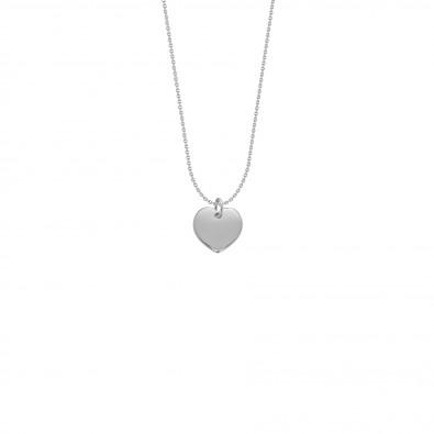Collier avec cœur en argent sur une chaîne fine