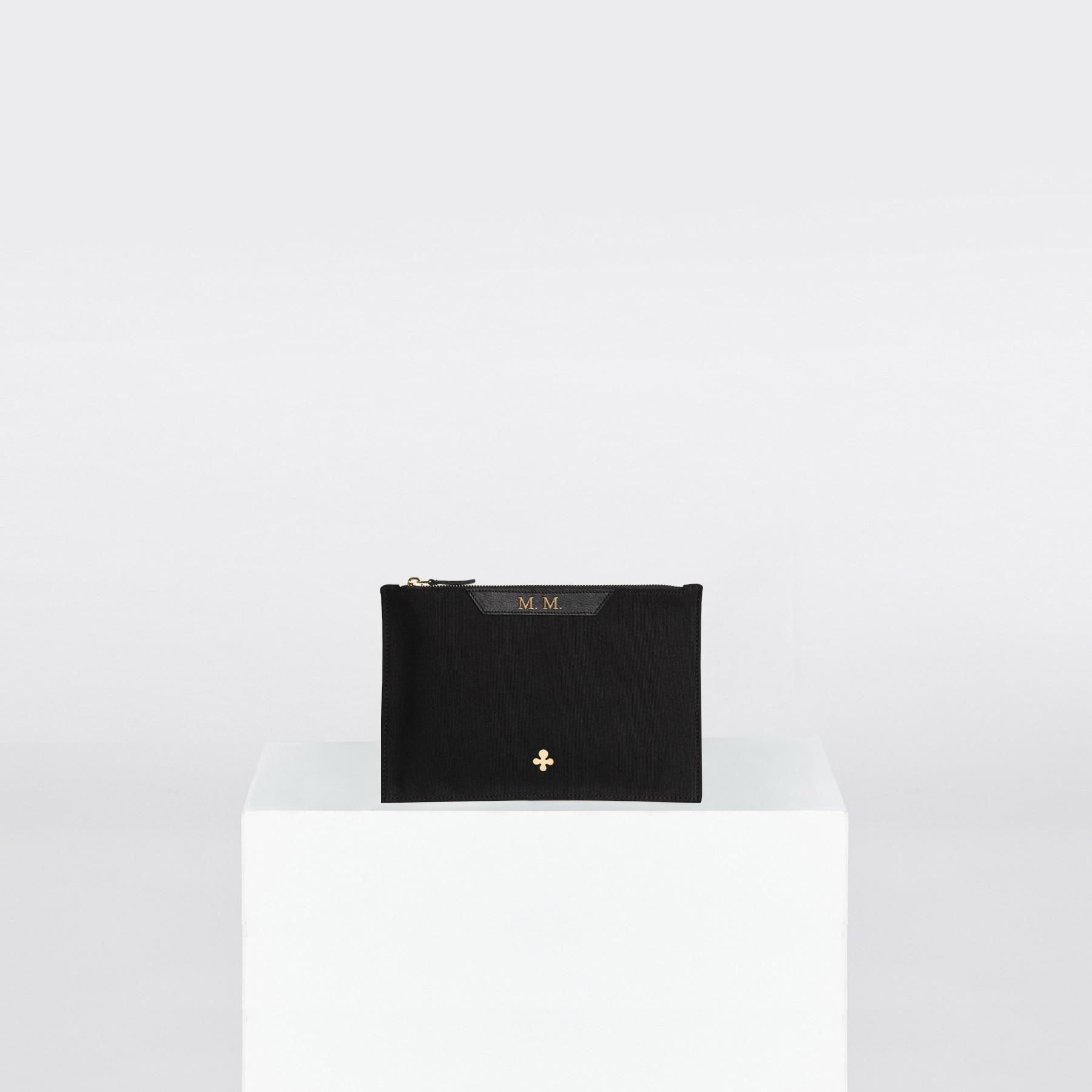 Pochette, toile noire