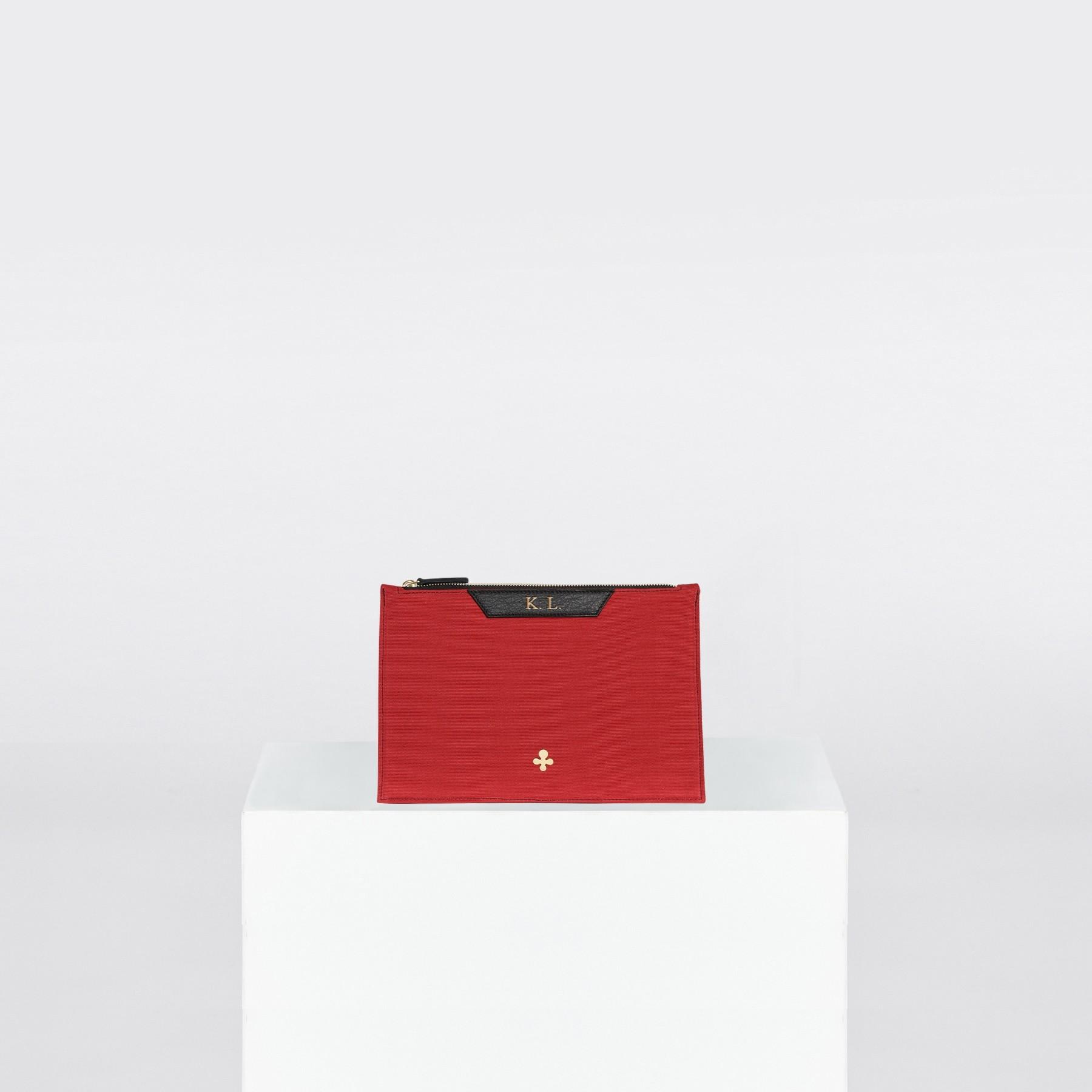 Pochette, toile rouge