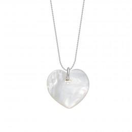 Collier avec un cœur en nacre sur une chaîne fine classique