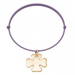 Bracelet avec trèfle plaqué or sur un cordon fin de couleur lavande