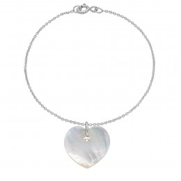 Bracelet avec un cœur en nacre sur une chaîne fine classique
