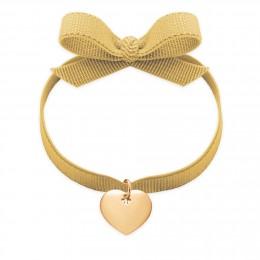 Bracelet avec un cour plaqué or sur un ruban ensoleillé
