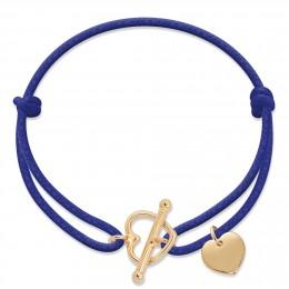 Bracelet avec fermoir cœur plaqué or et pendentif cœur plaqué or sur un cordon épais bleu bleuet.