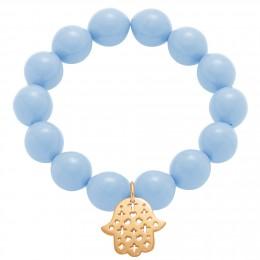 Bracelet en grandes billes de cristal bleu ciel avec une main de Fatima ajourée plaquée or.