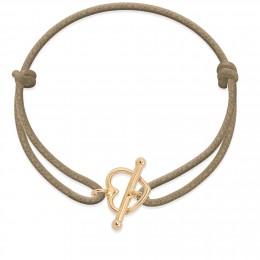 Bracelet avec fermoir en forme d'un cœur plaqué or sur un cordon épais de couleur cappuccino
