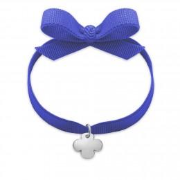 Bracelet ruban de couleur violette avec un trèfle rond en argent