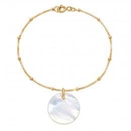 Bracelet avec un médaillon en nacre sur une chaîne vénitienne en plaqué or