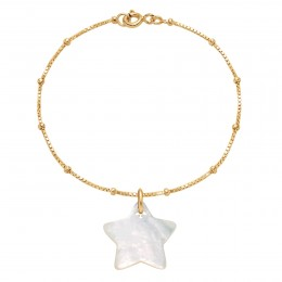 Bracelet avec une étoile en nacre sur une chaîne vénitienne en plaqué or