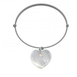 Bracelet avec un cœur en nacre sur un cordon fin gris clair