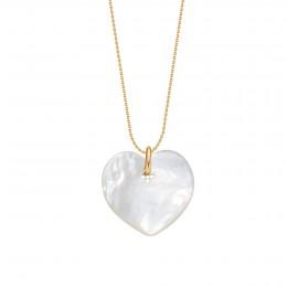 Collier avec un cœur en nacre sur une chaîne fine classique en plaqué or