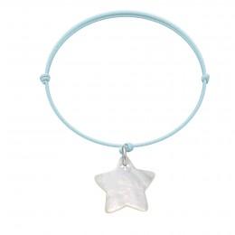 Bracelet avec une étoile en nacre sur un cordon fin bleu clair