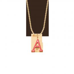 Collier avec lettre A sur chaîne