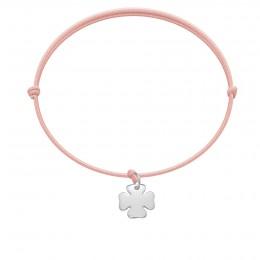 Bracelet avec trèfle en argent sur un cordon fin rose clair