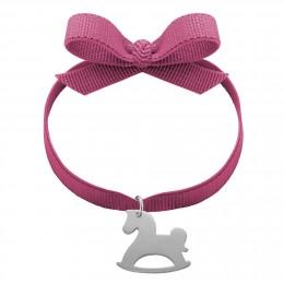 Bracelet ruban de couleur raisin avec un cheval à bascules en argent