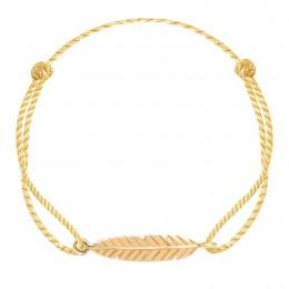 Bracelet avec une plume plaquée or sur un cordon épais doré premium