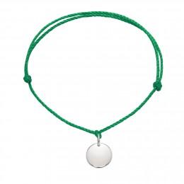 Bracelet avec un médaillon en argent sur un cordon épais vert premium
